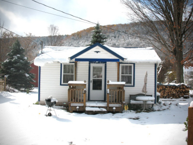 Catskills bungalow tiny house vacation rental small cabin for Cabins in the catskills